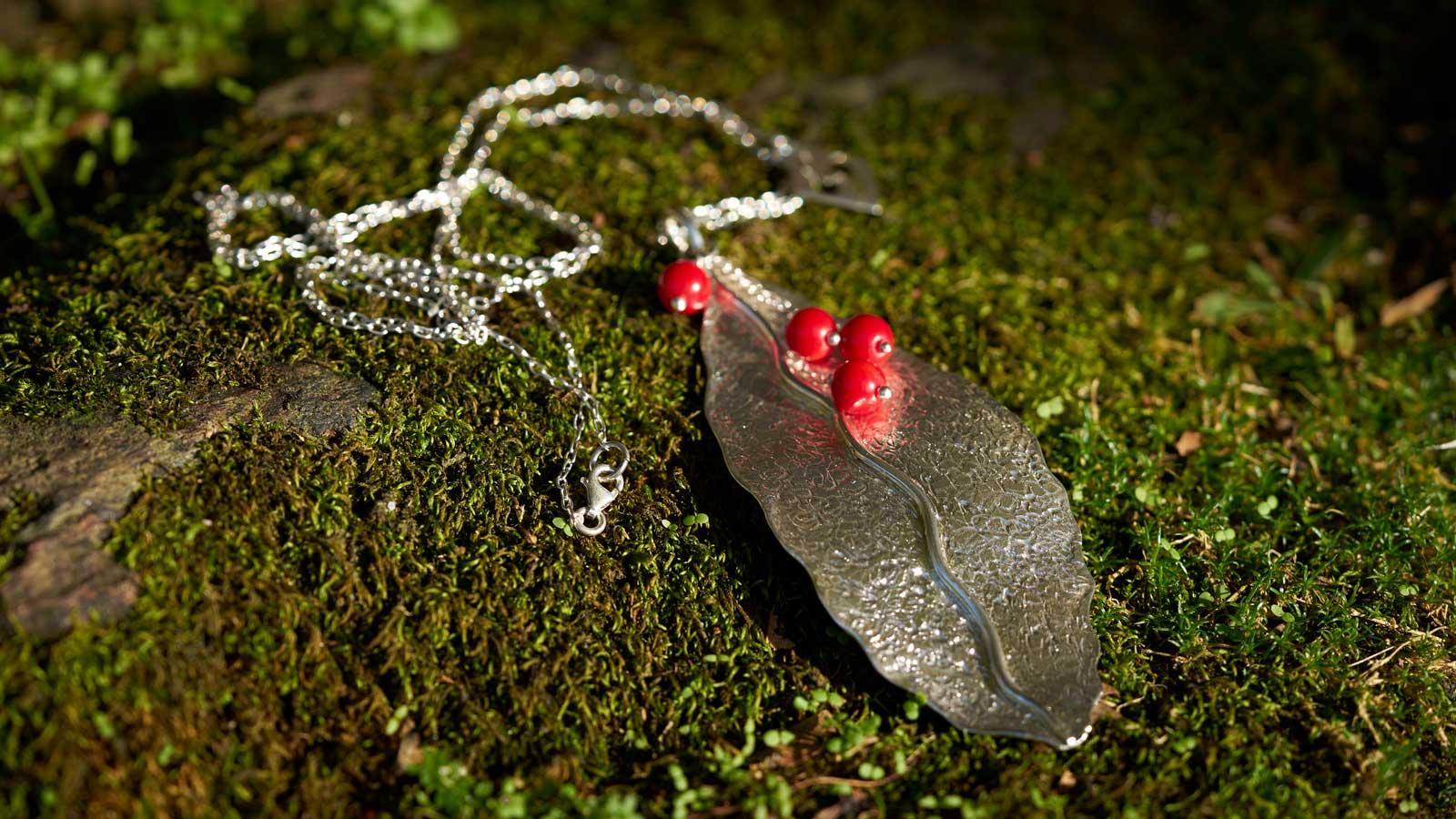Collar de hoja de plata modelo Natura1, joyería de plata Joyas Siliva.