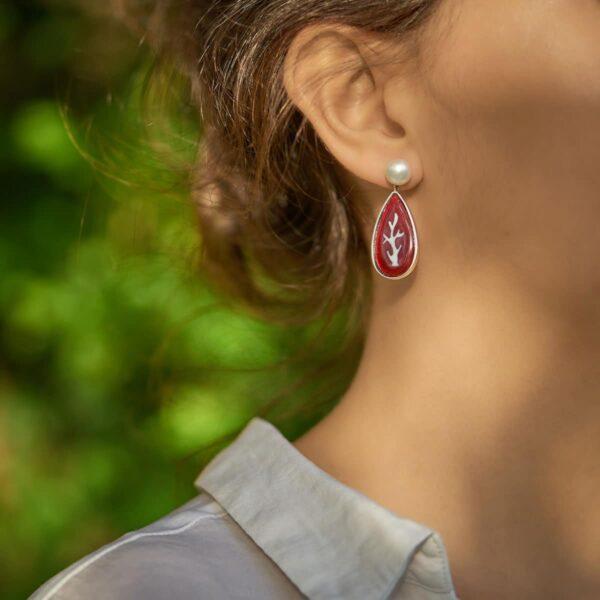 Pendientes de plata y esmalte modelo Póla, rojo, joyería de diseño en plata. Joyas Siliva.