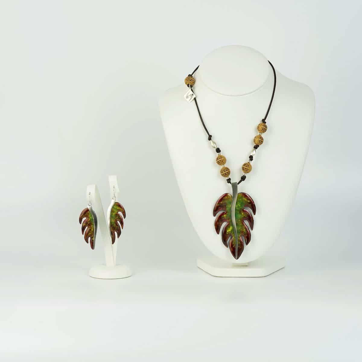 conjunto de diseño modelo palma, joyería de diseño de hoja en plata con esmalte al fuego, joyas siliva