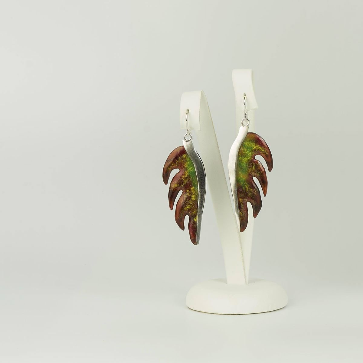 Pendientes diseño modelo Palma. Joyería de diseño en plata y esmalte al fuego, Joyas Siliva.