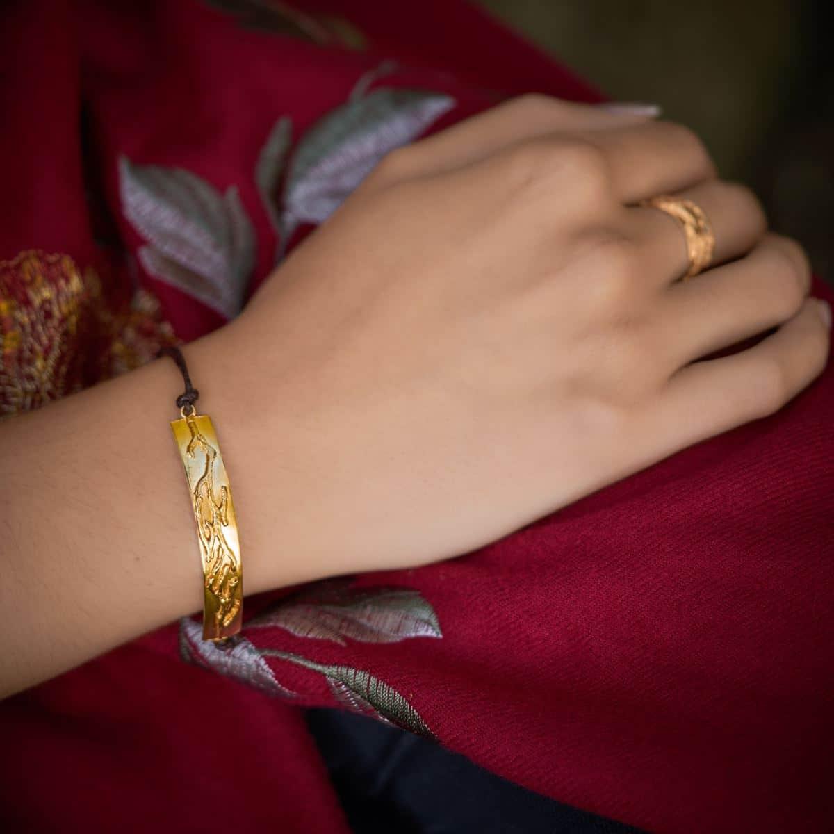 Pulsera de diseño modelo Outono joyería en plata con baño de oro. Joyas Siliva.