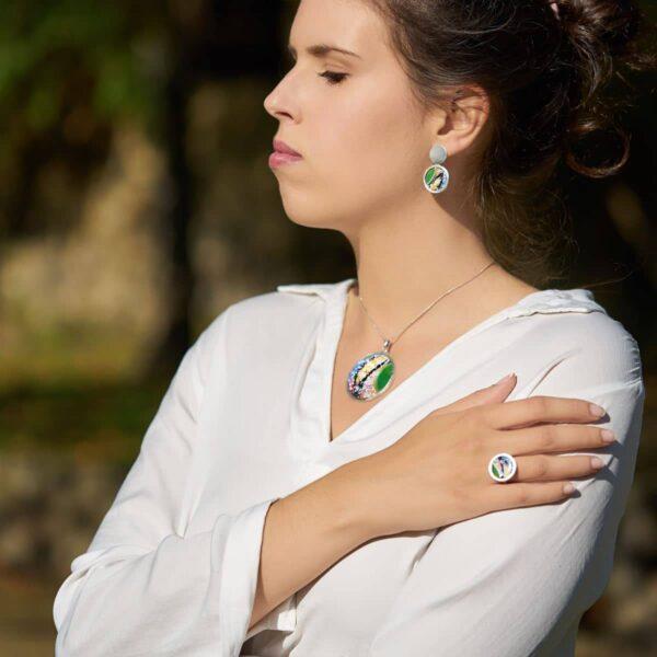 Diseño de plata y esmalte al fuego, modelo Agarimo, Joyas Siliva.
