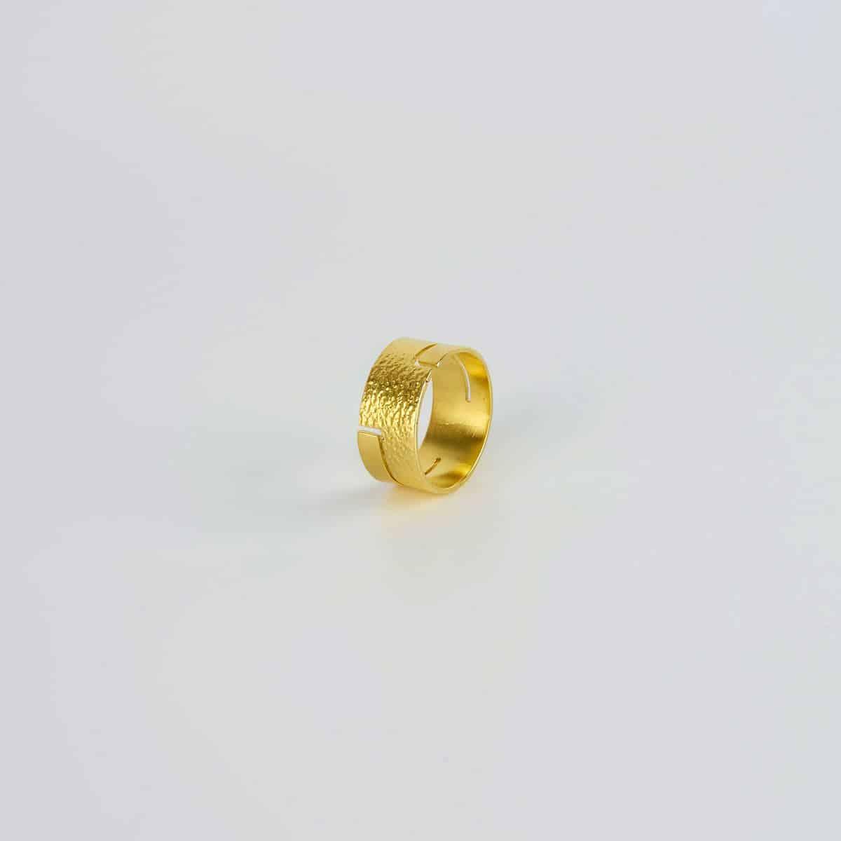 Joyas de diseño SILIVA. Anillo bañado en oro.