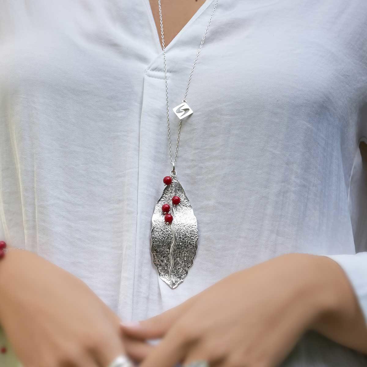 Collar de diseño modelo Natura1, joyería de plata Joyas Siliva.