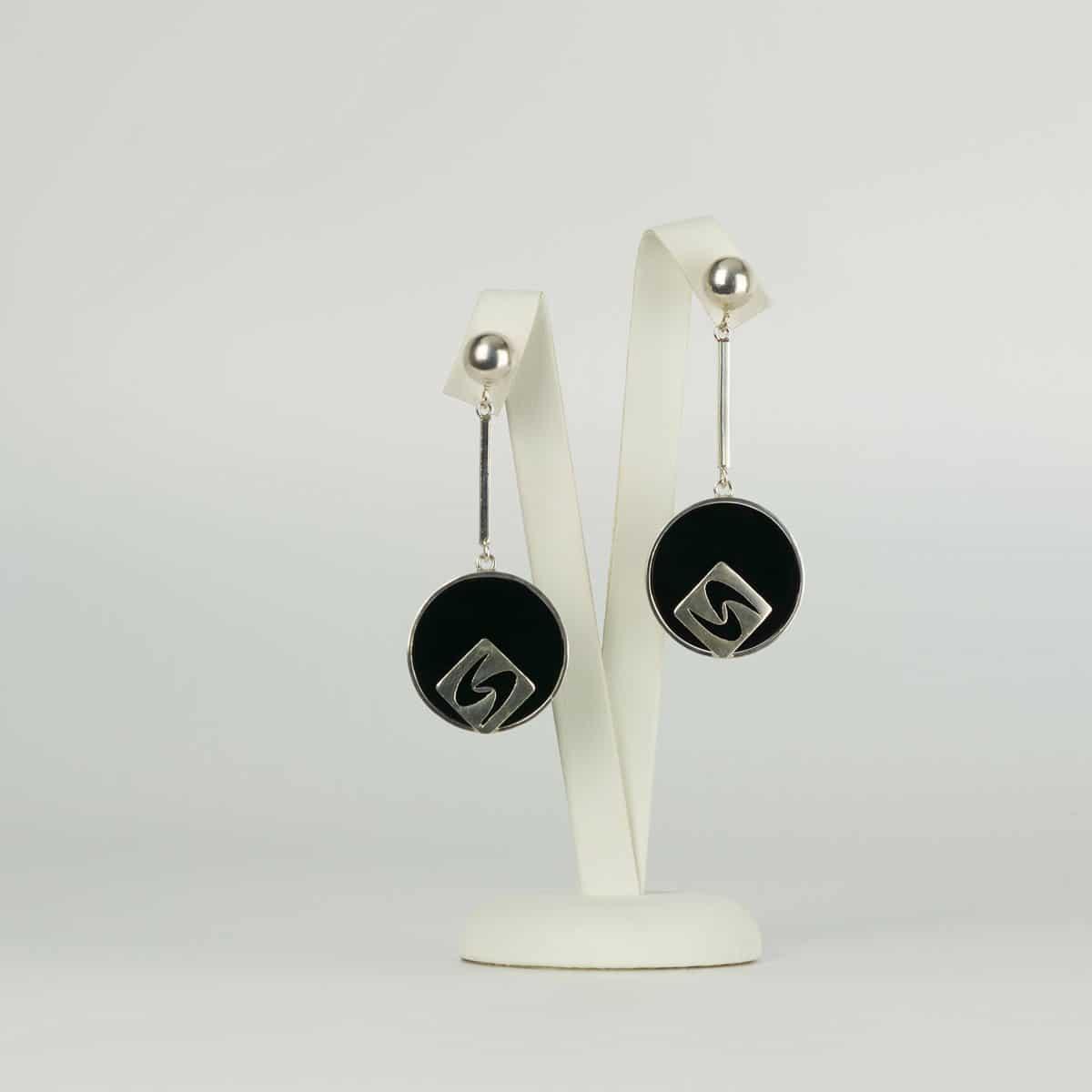 Pendientes de diseño modelo Siliva. Joyería de diseño en plata. Joyas Siliva.